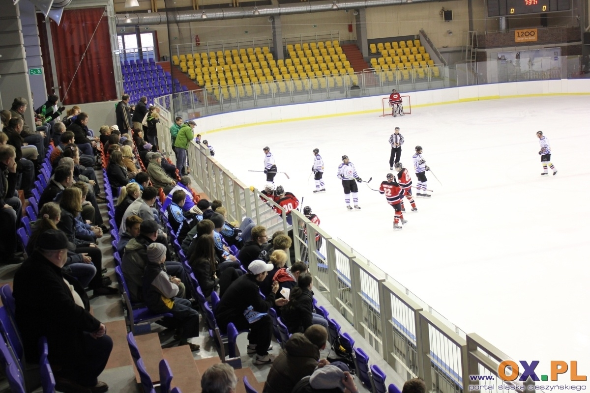 http://telewizjaox.pl/photoreports/1_rok_2011/piastow/duze/045.jpg