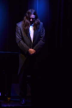 Miesiąc Kobiet: Komedia grana na fortepianach