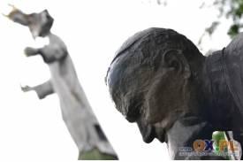 Ustroń: Budowa figury Chrystusa