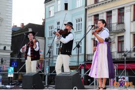 Koncert folklorystycznego zespołu muzycznego \''Maliniorze\'