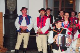 Zespół \''Wierchy\'' z Milówki w koncercie kolęd w Cafe Muze