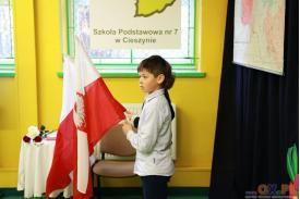 Uroczysty apel z okazji Dnia Niepodległości w SP7