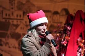 """""""Mikołaj"""" dla dzieci na skoczowskim rynku"""