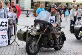 """""""O błękitną wstęgę Olzy"""" rajd starych samochodów i motocykli"""