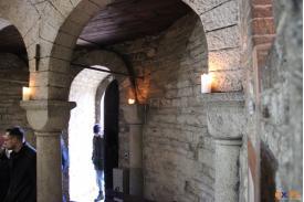 Rotunda św. Mikołaja - zwiedzanie w świetle świec z towarzyszeniem chorałów gregoriańskich / fot. MSZ