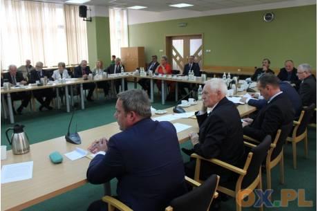 Radni powiatowi nie podjęli uchwały ws. obniżki wynagrodzenia Starosty Cieszyńskiego/ fot. MSZ