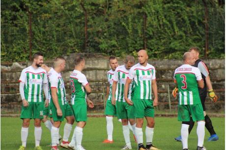 Piłkarze Orła Zabłocie, po ostatniej kolejce, wskoczyli na pozycję lidera w A klasie, fot. Andrzej Poncza