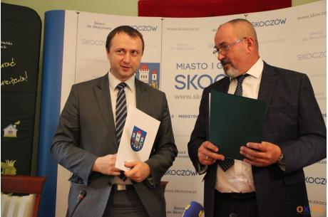 """Gmina Skoczów podpisała porozumienie z WFOŚiGW w Katowicach ws. Programu """"Czyste Powietrze"""" / fot. MSZ"""