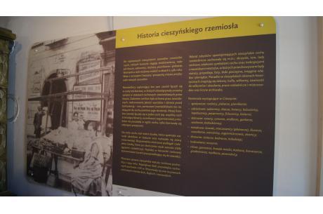 Tablice dotyczące cieszyńskiego rzemiosła w Izbie Cieszyńskich Mistrzów/ fot. JŚ