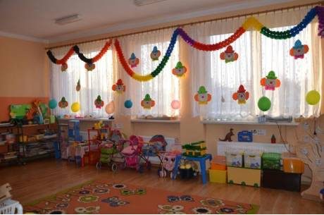 Szkoły i przedszkola puste. Opiekę sprawują rodzice fot. ARC OX.PL