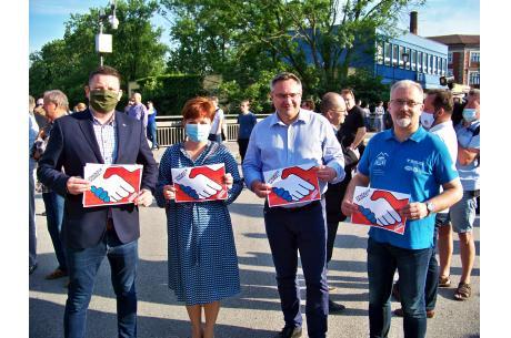 Od lewej: Przemysław Koperski, Gabriela Staszkiewicz, Mirosław Suchoń i Mieczysław Szczurek. Fot. KR/ox.pl