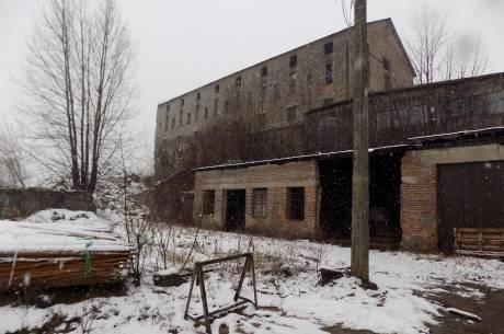 cementownia obecnie - zdjęcie zrobione w połowie grudnia 2018. / fot. KR