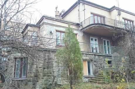 Willa przy ul. Miarki 2 w Cieszynie wystawiona na sprzedaż / fot. UM Cieszyn