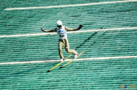 Piotr Żyła tylko raz zdobył złoty medal na Letnich Mistrzostwach Polski - w 2014 r. na skoczni normalnej w Szczyrku, fot. Bartłomiej Kukucz