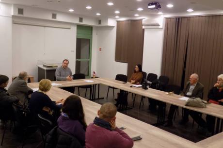 Uczestnicy poprzedniego spotkania i dr Artur Lewandowski / fot. KR/ox.pl