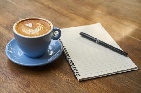 Kawa za artykuły szkolne / fot. pixabay