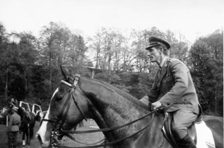 Jan Kowalczyk podczas zawodów jeździeckich w Cieszynie Pod Wałką  9 maja 1970r.. Fot: Stanisław Konopka
