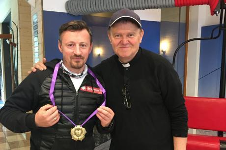 Adam Małysz i ks. Jan Byrt. Fot. mat. pras.