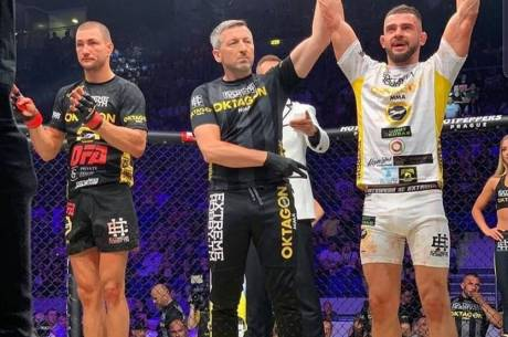 Zwycięski Mateusz Legierski podczas gali Oktagon 12 w Bratysławie, fot. kontakt24.ox.pl