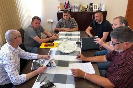 Spotkanie przedstawicieli gminy i wykonawcy. Fot. UG Chybie