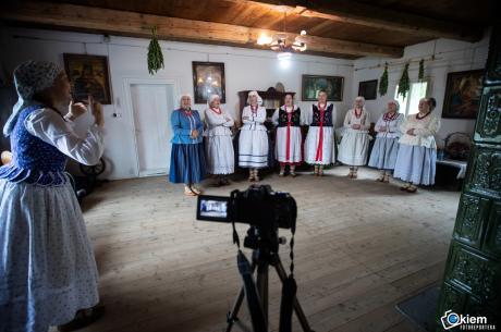 Przygotowania trwają. Na zdjęciu zespół Lipowianie  fot. Daniel Franek/mat.pras