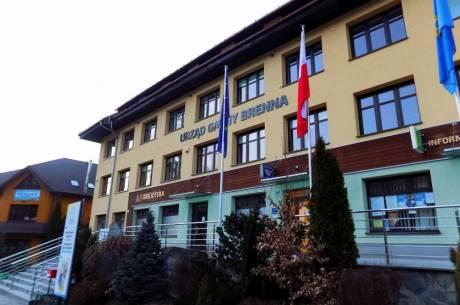 Gminna Biblioteka Publiczna w Brennej mieści się w budynku Urzędu Gminy Brenna. fot. KR/ox.pl