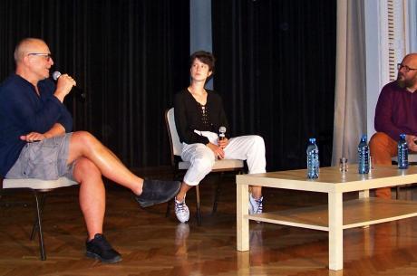Od lewej: Dariusz Gajewski, Wiktoria Wolańska i Andrzej Drobik. Fot. KR/ox.pl