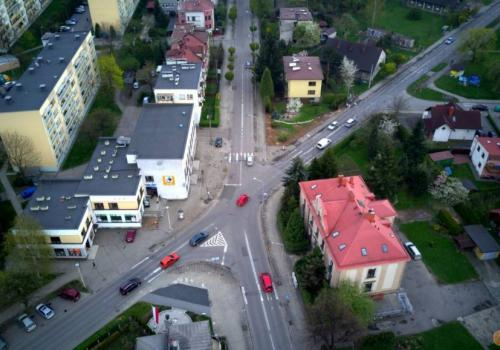 Zamiast tradycyjnego skrzyżowania w tym miejscu powstanie rondo o kształcie biszkoptu. fot. Marcin Gesing.