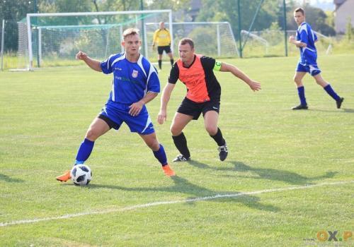 Piłkarze Olzy Pogwizdów nie dali większych szans rywalom z Dębowca, fot. PL