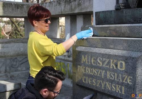 Burmistrz Cieszyna wzięła udział w akcji #Trashtag challenge/ fot. MSZ