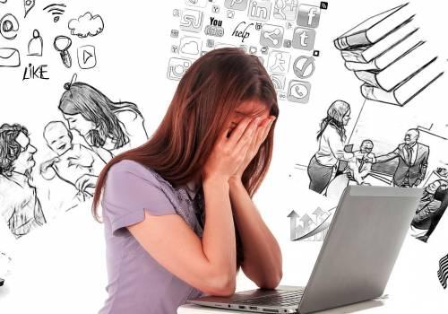 Uzależnienie od telefonu i internetu staje się coraz częściej faktem... Fot: Pixabay.com