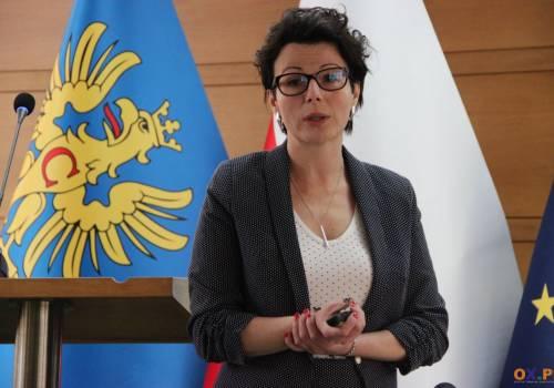 Rodzicielstwo zastępcze tematem konferencji prasowej w Starostwie Powiatowym w Cieszynie / fot. MSZ