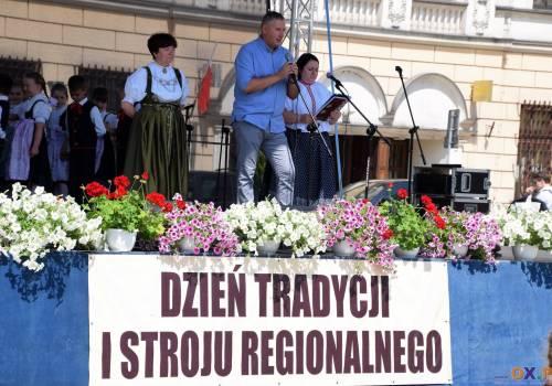 597a7a175 XIV Dzień Tradycji i Stroju Regionalnego - koncert na Rynku w Cieszynie