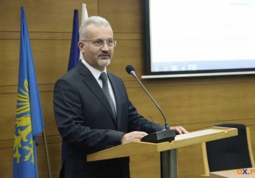Zarząd Powiatu z absolutorium / fot. arc.ox.pl