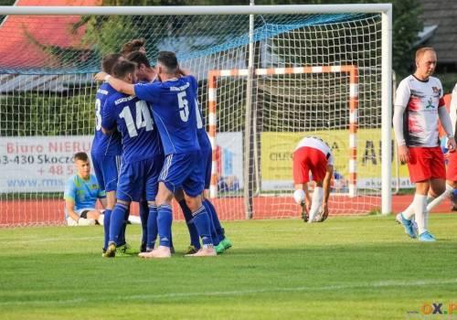 Skoczowianie, w ostatnim meczu z Czechowicami-Dziedzicami, wypuścili zwycięstwo z rąk w ostatnich minutach, gdyż stracili dwie bramki w doliczonym czasie gry, fot. Bartłomiej Kukucz
