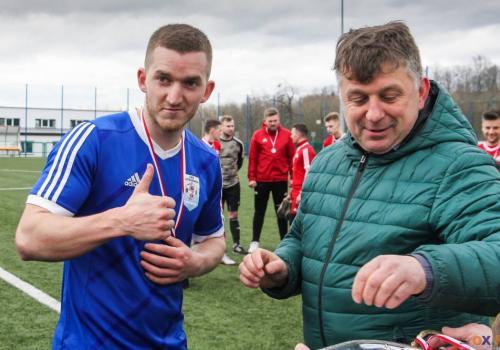 Obrońcy trofeum, piłkarze Błyskawicy Drogomyśl, zmierzą się z Puńcowem, fot. Bartłomiej Kukucz
