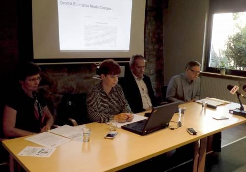 Od lewej: Gabriela Hřebačková, Gabriela Staszkiewicz, Damian Hernik, Arkadiusz Skowroński / fot. KR/ox.pl