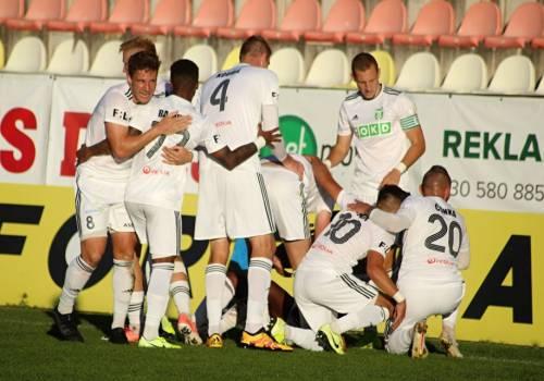 Piłkarze Karwiny cieszący się z drugiego gola, fot. facebook.com/mfkkarvina