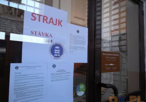 Kojarzenie cotygodniowych strajków o zmroku