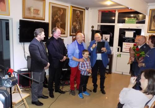 Od lewej: Jan Żyrek, Ernest Zawada, Piotr Jakubczak z synem, Jan Kukuczka / fot. KR/ox.pl