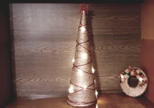 choinka, której forma daleka jest od tradycji/ fot. JŚ