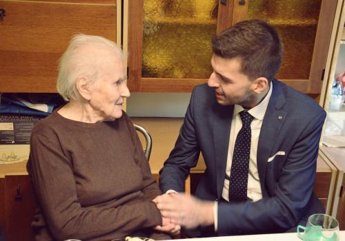 Wzajemna pomoc i wyczulenie sąsiadów na potrzeby osób starszych - to apel wójta gminy Jaworze fot. ARC Radosław Ostałkiewicz