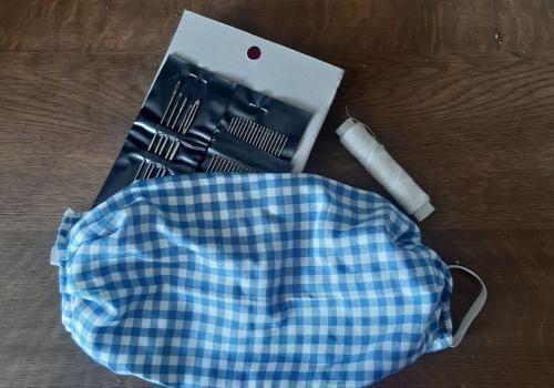 Przykładowa maseczka uszyta w domu/ fot. JŚ
