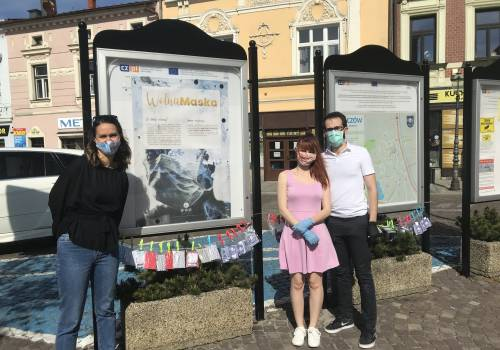 """""""Maskomat"""" znajduje się na skoczowskim rynku. Fot. mat.pras."""