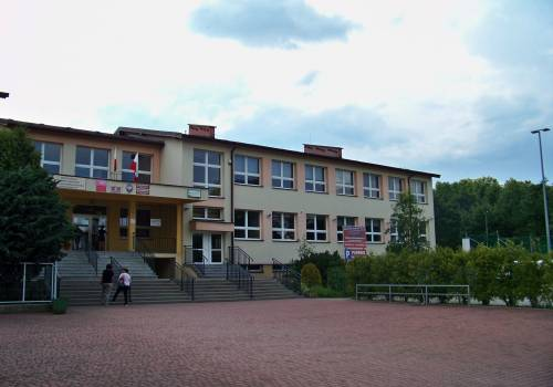 Szkoła Podstawowa nr 8 w Skoczowie. fot. KR/ox.pl