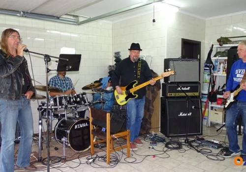 Garażowy koncert zespołu WRc (Weterani Rocka cieszyńskiego) / fot. MSZ