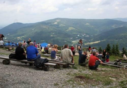 Turyści wrócili w Beskidy fot. ARC OX.PL