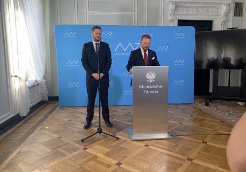 Janusz Cieszyński i Łukasz Szumowski. Źródło: twitter.com/MZ_GOV_PL
