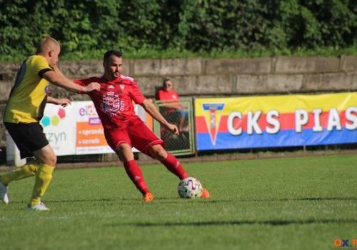 Daniel Flejszman zdobył pięć bramek, a jego CKS odniósł wysokie zwycięstwo nad Kaczycami (13:1)