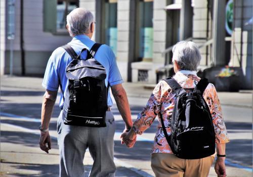 """Celem głównym programu """"Aktywni plus"""" jest zwiększenie uczestnictwa osób starszych we wszystkich dziedzinach życia społecznego. Fot: Pixabay.com"""